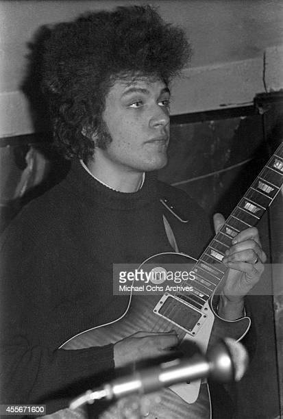 Guitarist Mike Bloomfield of the rock group 'Butterfield Blues Band' perform at the Living End in circa 1966 in Detroit Michigan