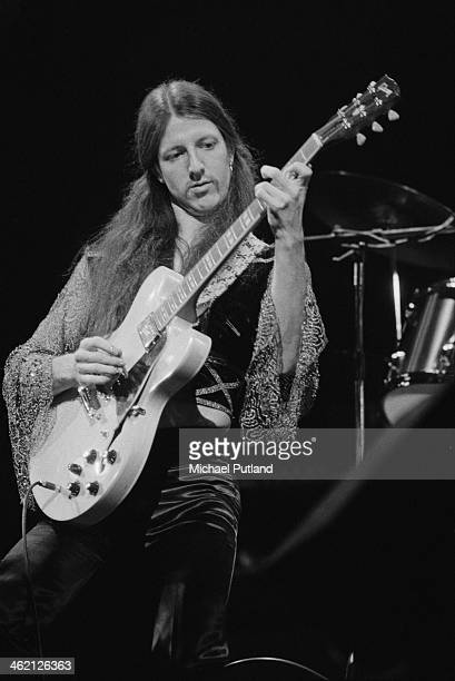 Guitarist Patrick Simmons performing with American rock group The Doobie Brothers at the Rainbow Theatre, London, 31st January 1974.
