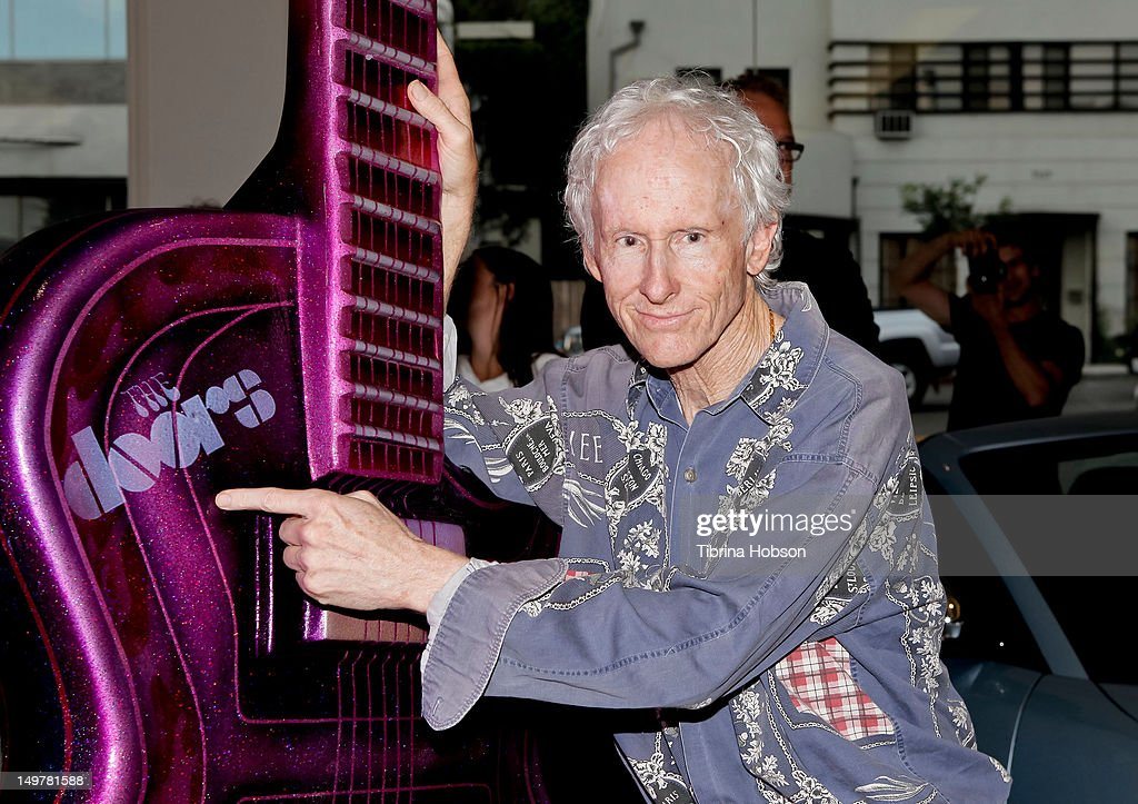 Gibson GuitarTown II On The Sunset Strip Unveils 9 New 10-Foot Tall Guitar Sculptures : News Photo