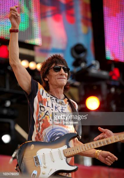 Guitarist Ronnie Wood performs onstage during the 2010 Crossroads Guitar Festival at Toyota Park on June 26 2010 in Bridgeview Illinois