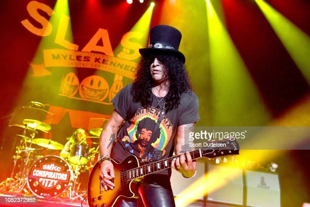Guitarist Slash founding member of Guns N' Roses perform onstage at Hollywood Palladium on October 16 2018 in Los Angeles California