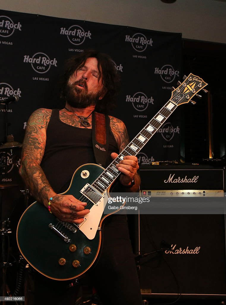 Guitarist Tracii Guns of L.A. Guns performs during Hard Rock Cafe Las Vegas at Hard Rock Hotel's 25th anniversary celebration on October 10, 2015 in Las Vegas, Nevada.