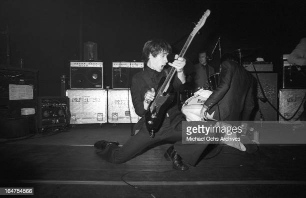 Guitarist Wilko Johnson drummer John 'The Big Figure' Martin and singer Lee Brilleaux of the English RB group Dr Feelgood perform on March 23 1976 in...