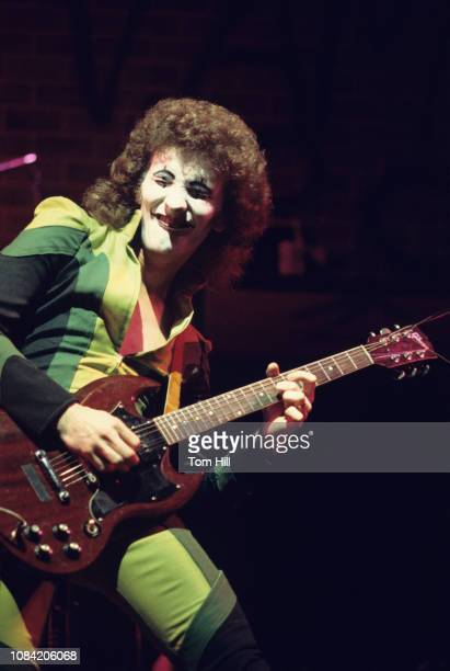 Guitarist Zal Cleminson of the Sensational Alex Harvey Band performs at Alex Cooley's Electric Ballroom on March 18, 1975 in Atlanta, Georgia.