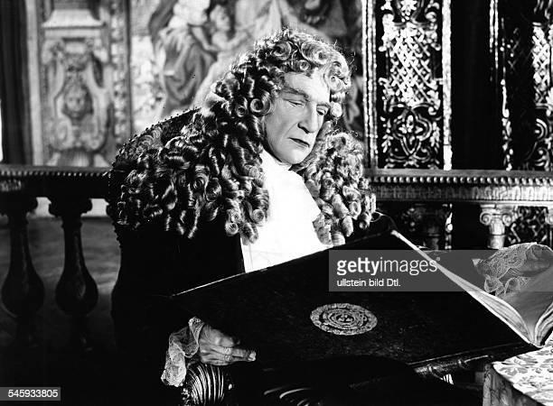 Guitry Sacha *21021885Schauspieler Regisseur Autor Frankreich als 'Ludwig XIV' in dem Film 'Versailles Koenige und Frauen' 1954
