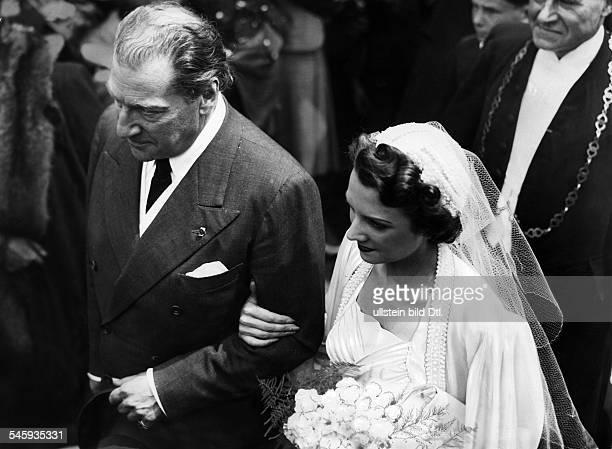 Guitry Sacha *21021885Schauspieler Regisseur Autor Frankreich Hochzeit mit Genevieve de Sereville 1938