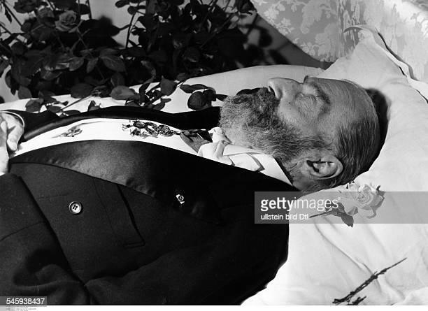Guitry Sacha *21021885Schauspieler Regisseur Autor Frankreich auf dem Totenbett