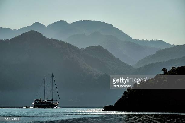 gulet in the hisaronu bay - peninsula de grecia fotografías e imágenes de stock