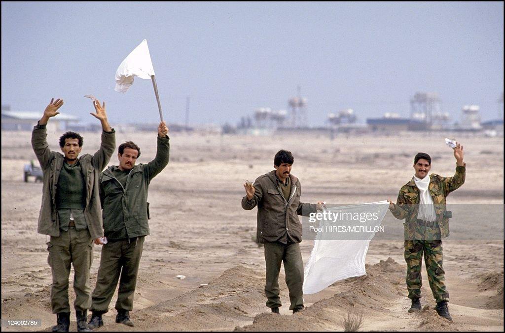 Gulf War: Allied Forces Enter Kuwait On February 25, 1991. : ニュース写真