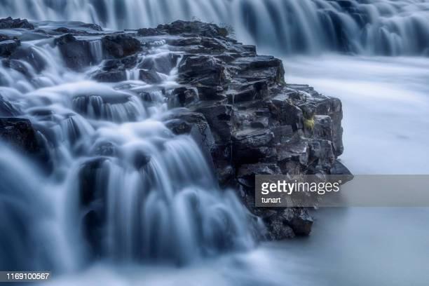 cascada gulfoss, islandia - fuente corriente de agua fotografías e imágenes de stock