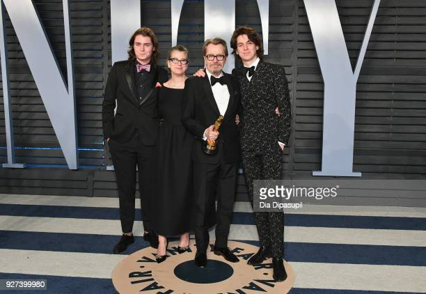 Gulliver Oldman Gisele Schmidt Gary Oldman and Charlie Oldman attend the 2018 Vanity Fair Oscar Party hosted by Radhika Jones at Wallis Annenberg...