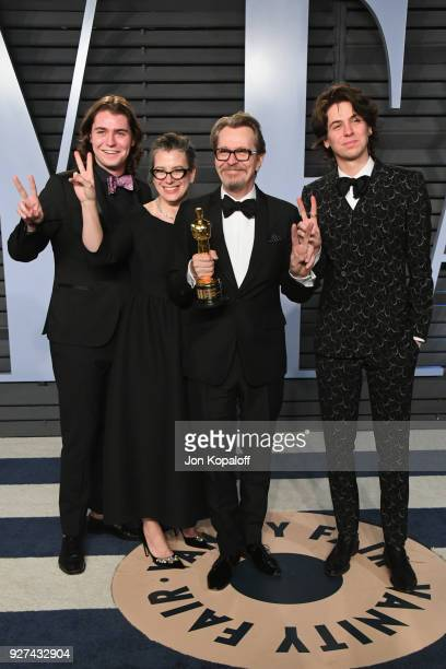 Gulliver Oldman Gisele Schmidt Gary Oldman and Charlie Oldman attend the 2018 Vanity Fair Oscar Party hosted by Radhika Jones at Wallis Annenberg...