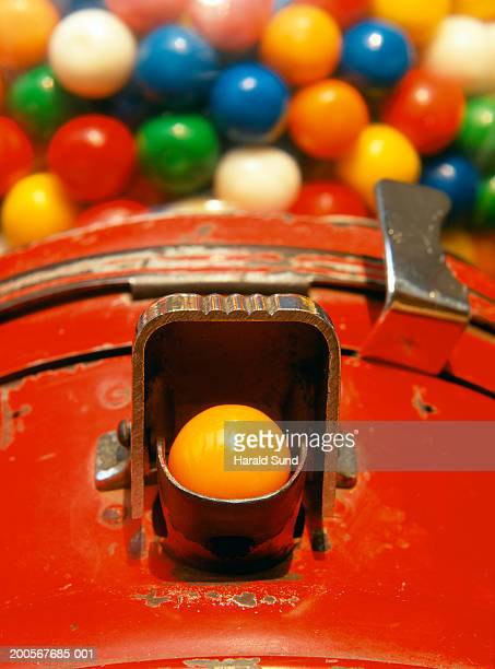 gum ball machine, close-up - gumball machine stock pictures, royalty-free photos & images