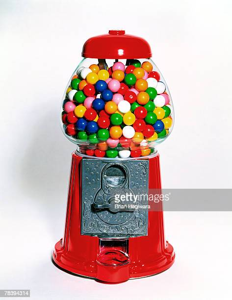 gum ball machine - gumball machine stock pictures, royalty-free photos & images