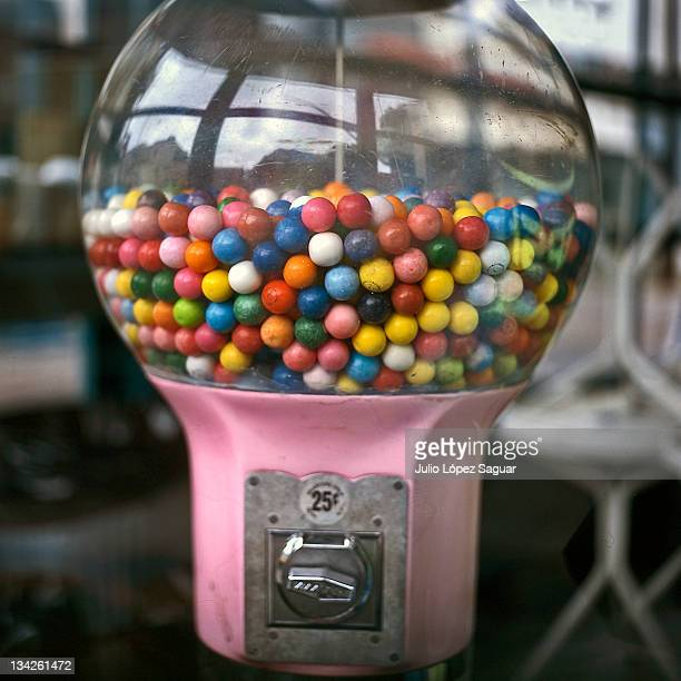 gum vending machine - gumball machine stock pictures, royalty-free photos & images