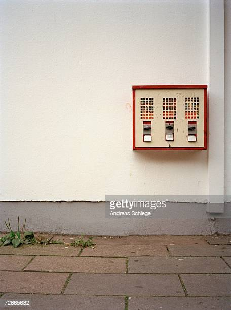 gumball machine on street - gumball machine stock pictures, royalty-free photos & images