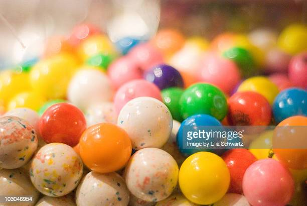 gumballs - gumball machine stock pictures, royalty-free photos & images