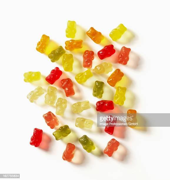gummi bears on white background - gummi bears - fotografias e filmes do acervo