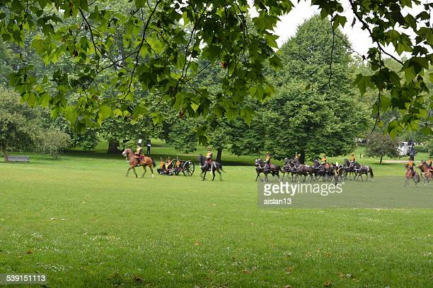 gun salute for the queen's birthday - greater london stock pictures, royalty-free photos & images
