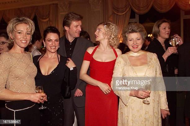 "Gundis Zambo + Christine Neubauer + Ehemann Lambert Dinzinger + Michaela Merten + Marie Luise Marjan Bei ""Spa Award"" Verleihung In Baden Baden"