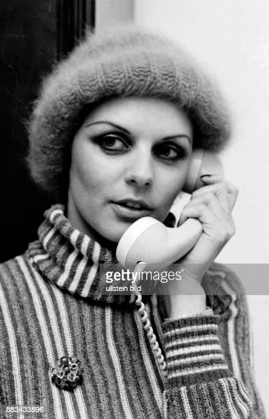 Gundlach Alida Television Presenter Germany phoning