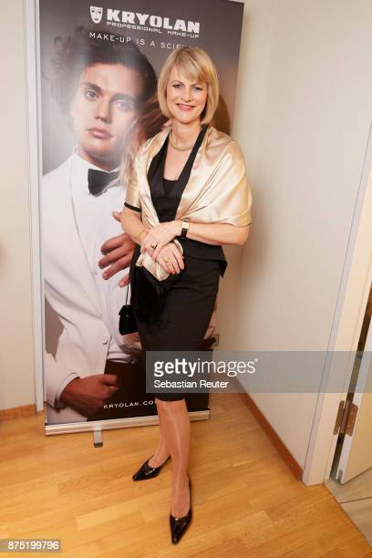 Gundula Gause is posing at the Kryolan Beauty Lounge before the Bambi Awards 2017 on November 16 2017 in Berlin Germany