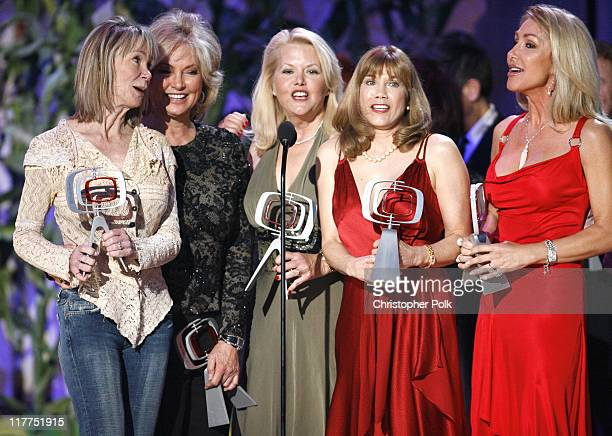 Gunilla Hutton Marianne Gordon Rogers Misty Rowe Barbi Benton and Linda Thompson winners Entertainers Award for Hee Haw