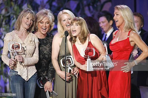 Gunilla Hutton Marianne Gordon Rogers Misty Rowe Barbi Benton and Linda Thompson winners Entertainers Award forHee Haw