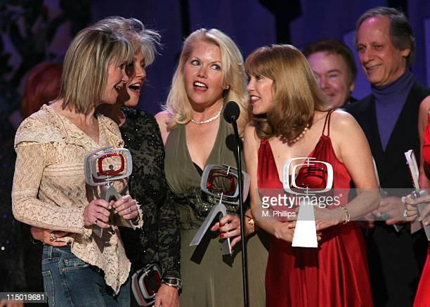"Gunilla Hutton, Marianne Gordon Rogers, Misty Rowe, Barbi Benton, Roy Clark and Jon Hager, winners Entertainers Award for ""Hee Haw"""
