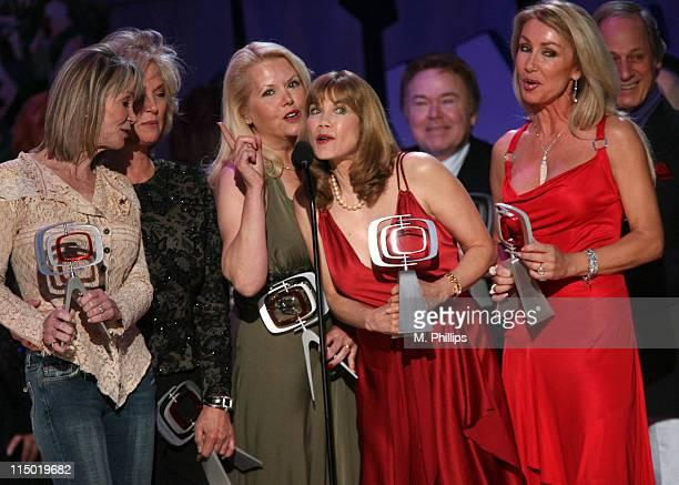 "Gunilla Hutton, Marianne Gordon Rogers, Misty Rowe, Barbi Benton, Roy Clark, Linda Thompson and Jon Hager, winners Entertainers Award for ""Hee Haw"""