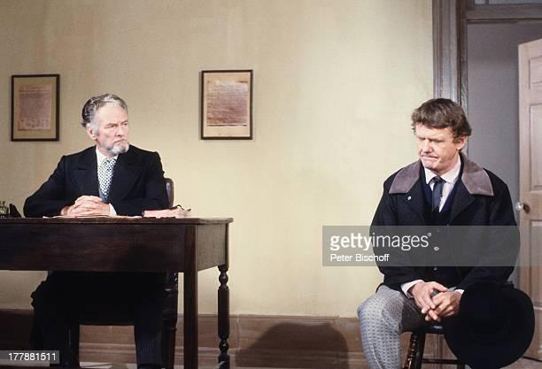 "Gunnar Möller , Barney OÏSullivan, ZDF-Serie ""Tom Sawyer und Huckleberry Finn"", Kanada, USA, Abenteuerfilm, Gericht, Richter, Sheriff, Kostüm, Hut,..."