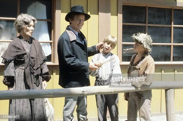 Gunnar Möller Brigitte Horney Sammy Snyders Ian Tracy ZDFSerie Tom Sawyer und Huckleberry Finn Kanada USA Abenteuerfilm Sheriff Kostüme Hut Kinder...