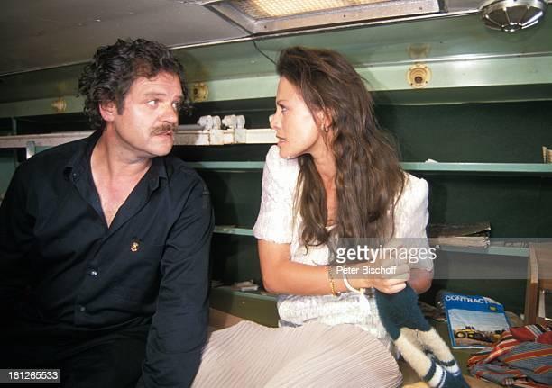 Gunter Berger Sonja Kirchberger PRO 7 Serie 'Glueckliche Reise ' Folge 18 'Sun City' 'The Lost City'/SüdAfrika Südafrika Episode 3 'Der Kidnapper und...