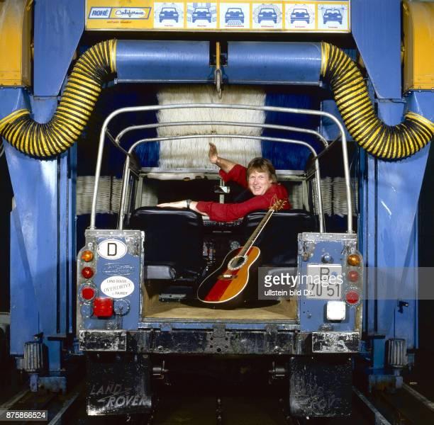 Gunter Gabriel in der AutoWaschanlage Fotosession zur LP Waschecht