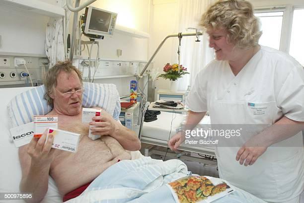 Gunter Gabriel Schwester Sylvia HerzinfarktPatient Gunter Gabriel Stendal JohanniterKrankenhaus Krankenzimmer Krankenbett Behandlung nach Herzinfarkt...