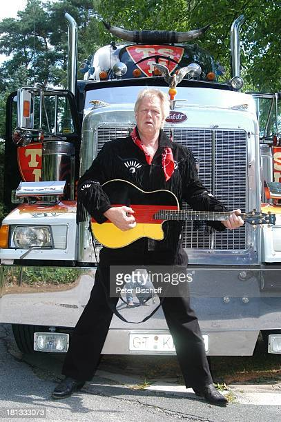 Gunter Gabriel Truck Store Niebel Schloß HolteStukenbrock Deutschland ProdNr 1113/2006 Gitarre amerikanischer Truck Countrysänger Sänger