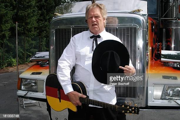 Gunter Gabriel Truck Store Niebel Schloß HolteStukenbrock Deutschland ProdNr 1113/2006 amerikanischer Truck Mittelfinger Stinkefinger Gitarre...