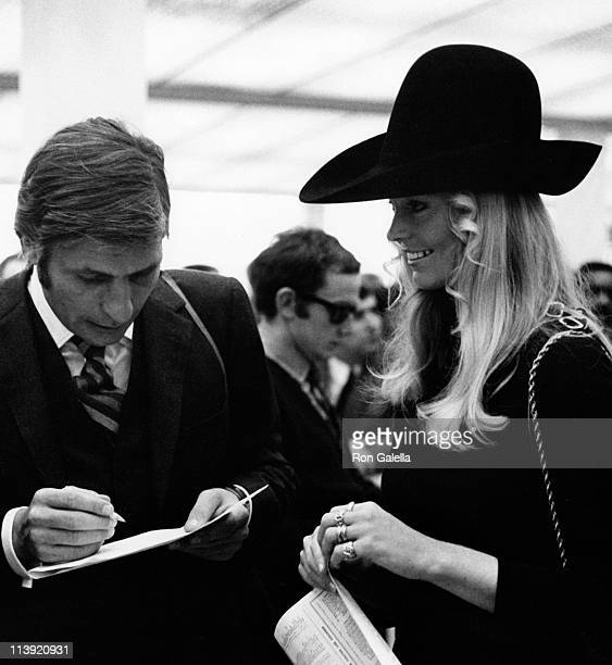 Gunter Sachs attends Long Champ's Grand Prix on October 6 1968 in Paris France