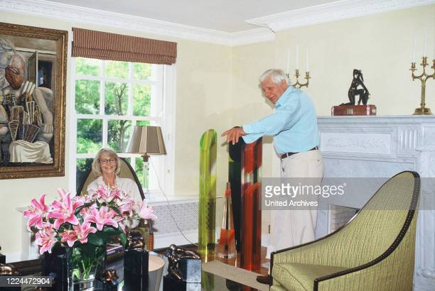 Gunter Sachs with wife Mirja in the living room, 2000s.