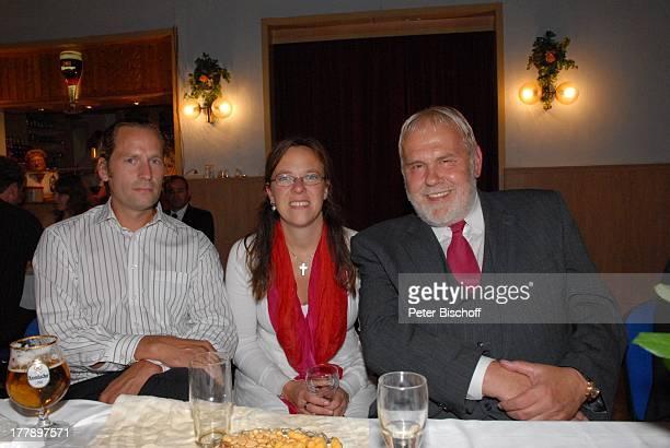 Gunther Emmerlich AdoptivTochter Karoline Simang deren Ehemann Schwiegersohn Rico Simang Hochzeitsfeier Hochzeit unehelicher Sohn Sven und Elke Hoep...