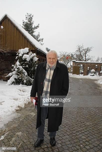 Gunther Emmerlich Ankunft zur Gala zum 80 Geburtstag von R o l f H o p p e Theater R o l f H o p p e s Hoftheater Dresden Sachsen Deutschland Europa...