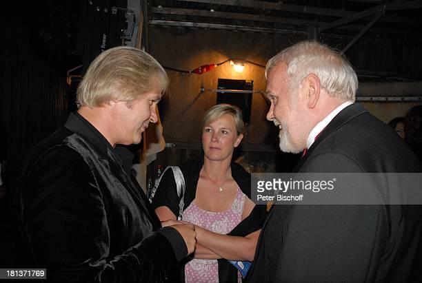 Gunther Emmerlich , Johnny Logan, Lebensgefährtin Tanja Surmann, 2. Benefiz-Konzert zugunsten des parkinsonkranken Ex-Star-Tenor P E T E R HOFMANN,...