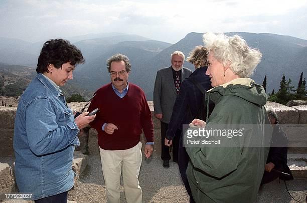 Gunther Emmerlich , Professor Dr. Wolf-Dietrich Niemeier , Museumswärterin , Ehefrau von Professor Dr. Wolf-Dietrich Niemeier, Drehteam, Landgang,...