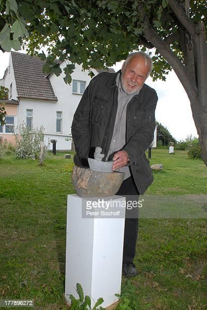 Gunther Emmerlich, Steinkunst von M A T T H I A S W E N D T, Ostseebad Ahrenshoop, Mecklenburg-Vorpommern, Deutschland, Europa, Ostsee, Urlaub,...