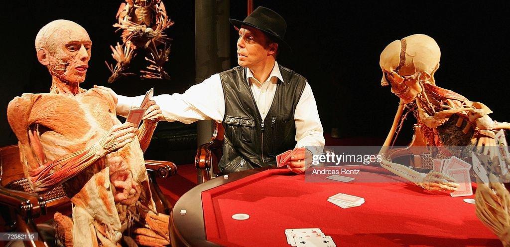 james bond casino royal körperwelten
