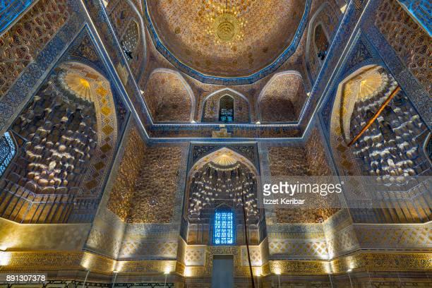 gur amir mausoleum gilded interior, samarkand uzbekistan - mausoleum stock-fotos und bilder