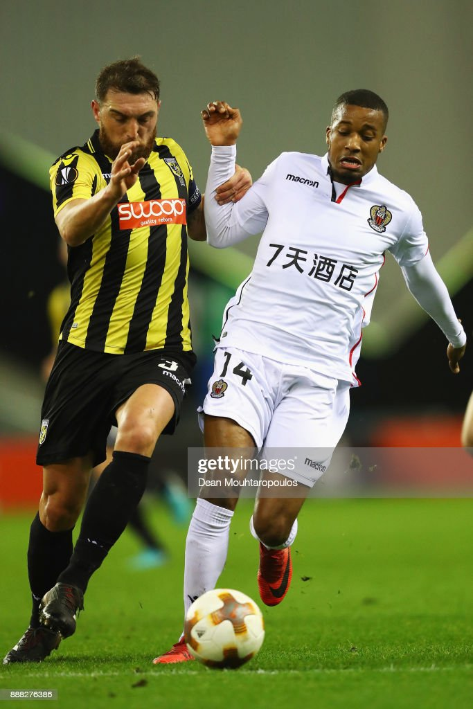 Guram Kashia of Vitesse Arnhem battles for the ball with Alassane Plea of OGC Nice during the UEFA Europa League group K match between Vitesse and OGC Nice at on December 7, 2017 in Arnhem, Netherlands.