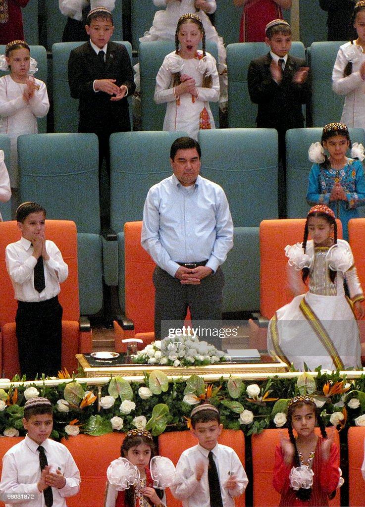 Gurbanguly Berdymukhamedov, President of : Nieuwsfoto's