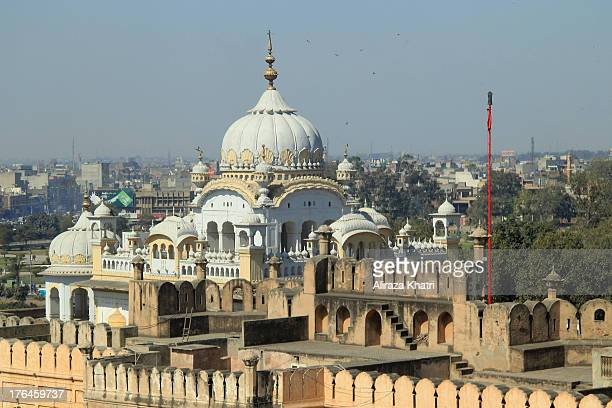 CONTENT] Gurdwara Dera Sahib is situated opposite Lahore Fort near Badshahi Mosque This is the place where Sat Gur Arjun Dev Ji was martyred in the...