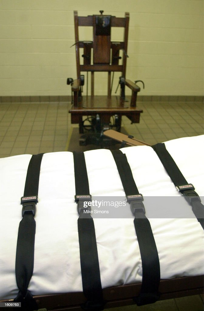 A Gurney And A Electric Chair Sit In The Death Chamber Of The Southern Ohio  Correctional